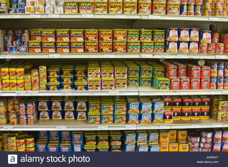 assortment-of-variety-of-spam-and-other-canned-meats-on-grocery-store-ahrk5t